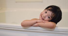 乾燥肌対策、お風呂は乾燥の原因にもなります。入り方を工夫して乾燥を防ぎましょう